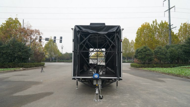 Front view of MB-50 stage trailer
